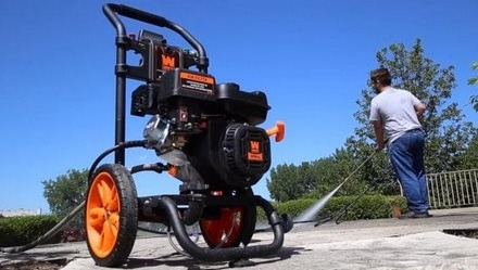 Gas pressure washers fit heavy duties better than electric ones do.