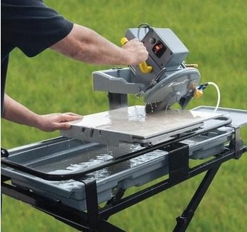 How To Use A Wet Saw To Cut Tile
