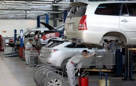 Using air compressors to repair cars